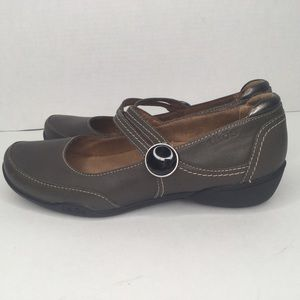 Taos leather Mary Jane comfortable shoes.